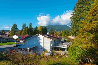 Photo 19: 2509 LAURALYNN Drive in North Vancouver: Westlynn House for sale : MLS®# R2359642
