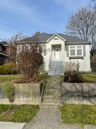 Photo 2: 1931 DUBLIN STREET in New Westminster: West End NW House for sale : MLS®# R2551361
