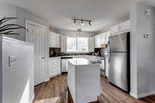 Photo 10: 400 Prestwick Circle SE in Calgary: McKenzie Towne Detached for sale : MLS®# A1070379