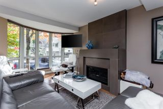 """Photo 3: TH16 1501 HOWE Street in Vancouver: Yaletown Townhouse for sale in """"OCEAN TOWER AT 888 BEACH"""" (Vancouver West)  : MLS®# R2528956"""