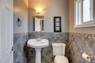Photo 14: 9 Chisholm Crescent NW in Calgary: Charleswood Detached for sale : MLS®# A1115006