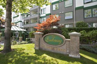 Photo 1: 405 1575 BEST STREET: White Rock Condo for sale (South Surrey White Rock)  : MLS®# R2032421