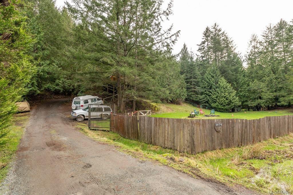Photo 2: Photos: 2978 Woodridge Pl in : Hi Eastern Highlands House for sale (Highlands)  : MLS®# 864213