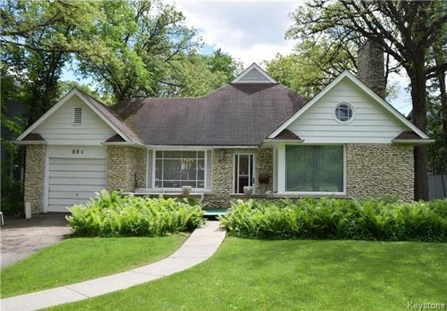 Main Photo: 884 Wellington Crescent in Winnipeg: River Heights North Residential for sale (1C)  : MLS®# 1716855