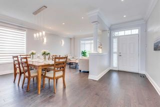 Photo 2: 2319 Briargrove Circle in Oakville: West Oak Trails House (2-Storey) for sale : MLS®# W5195528