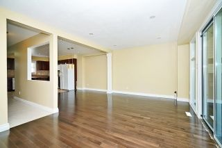 Photo 6: 1186 Southdale Avenue in Oshawa: Donevan House (2-Storey) for sale : MLS®# E3487223