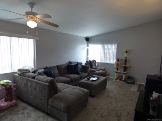 Photo 3: SAN DIEGO House for sale : 4 bedrooms : 1277 Glencoe Dr