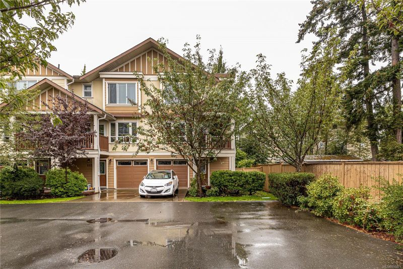 FEATURED LISTING: 101 - 827 Arncote Ave