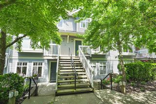"Photo 1: 32 7488 SOUTHWYNDE Avenue in Burnaby: South Slope Townhouse for sale in ""Ledgestone"" (Burnaby South)  : MLS®# R2459447"