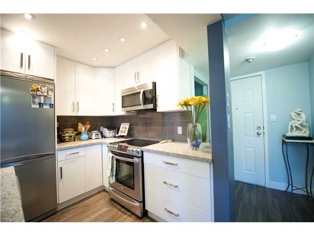 Photo 5: Photos: # 11 1949 W 8TH AV in Vancouver: Kitsilano Condo for sale (Vancouver West)  : MLS®# V1077234