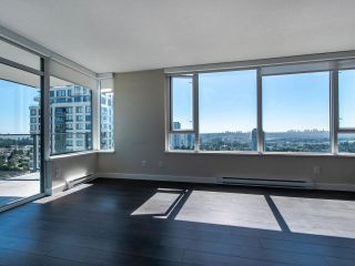 "Photo 8: 2505 602 COMO LAKE Avenue in Coquitlam: Coquitlam West Condo for sale in ""Uptown 1"" : MLS®# R2482503"