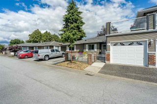 """Photo 2: 3 6280 48A Avenue in Delta: Holly Townhouse for sale in """"GARDEN ESTATES"""" (Ladner)  : MLS®# R2478484"""