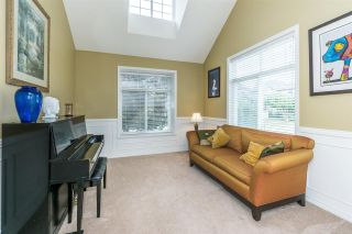 Photo 7: 6624 187A Street in Surrey: Cloverdale BC House for sale (Cloverdale)  : MLS®# R2287987