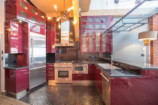 """Photo 8: 404 1066 HAMILTON Street in Vancouver: Yaletown Condo for sale in """"The New Yorker"""" (Vancouver West)  : MLS®# R2437026"""