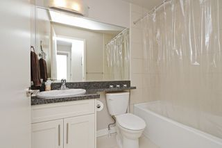 "Photo 13: 17 339 E 33RD Avenue in Vancouver: Main Townhouse for sale in ""Walk to Main"" (Vancouver East)  : MLS®# R2374151"