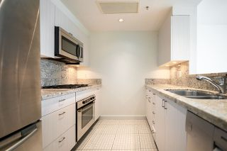 """Photo 11: 2005 590 NICOLA Street in Vancouver: Coal Harbour Condo for sale in """"The Cascina - Waterfront Place"""" (Vancouver West)  : MLS®# R2556360"""
