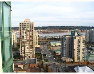 """Photo 10: 121 10TH Street in New Westminster: Uptown NW Condo for sale in """"Vista Royale"""" : MLS®# V639568"""