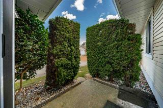 """Photo 14: 129 8737 212 Street in Langley: Walnut Grove Townhouse for sale in """"Chartwell Green"""" : MLS®# R2490439"""