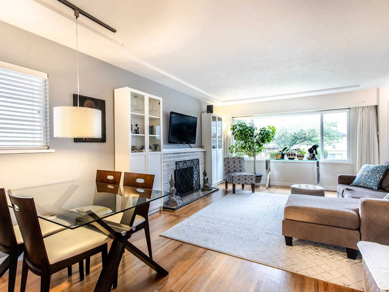 Photo 3: Photos: 4653 UNION STREET in Burnaby: Capitol Hill BN House for sale (Burnaby North)  : MLS®# R2493161