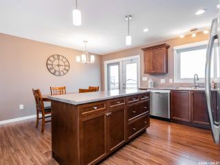 Photo 4: 854 Reimer Road in Martensville: Residential for sale : MLS®# SK801657