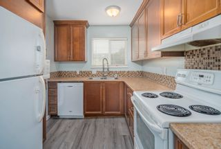 """Photo 3: 47 10780 GUILDFORD Drive in Surrey: Guildford Townhouse for sale in """"GUILDFORD CLOSE"""" (North Surrey)  : MLS®# R2614671"""