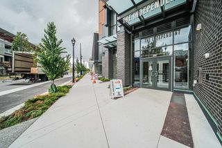 """Photo 15: 2303 285 E 10TH Avenue in Vancouver: Mount Pleasant VE Condo for sale in """"The Independent"""" (Vancouver East)  : MLS®# R2418764"""