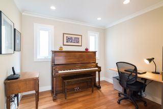 Photo 32:  in White Rock: Home for sale : MLS®# R2166390