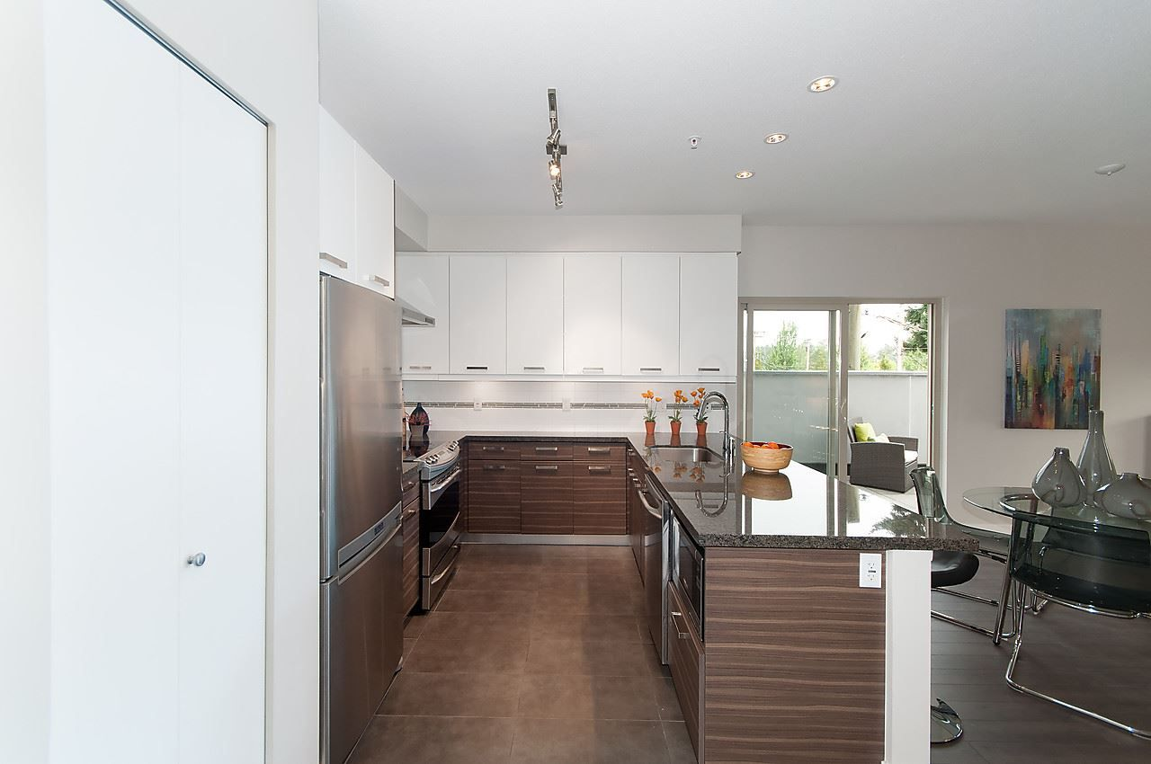 """Photo 8: Photos: 205 1273 MARINE Drive in North Vancouver: Norgate Condo for sale in """"THE IVY"""" : MLS®# R2116116"""