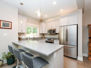Photo 8: 959 Lobo Vale in Langford: La Happy Valley Row/Townhouse for sale : MLS®# 843446