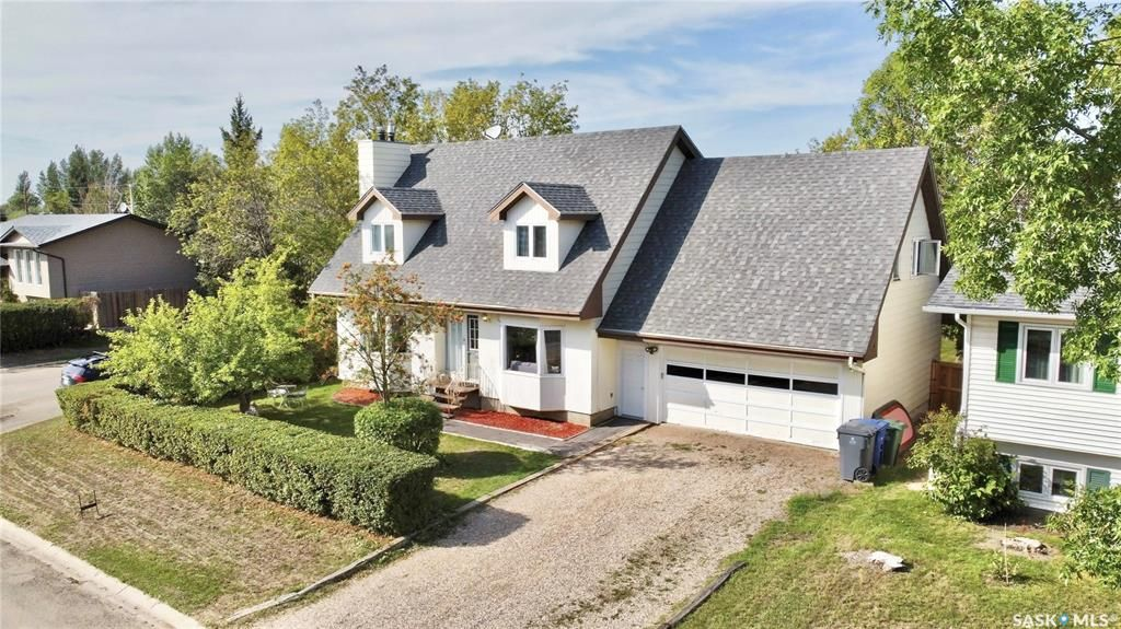 Main Photo: 310 Loeppky Avenue in Dalmeny: Residential for sale : MLS®# SK869860