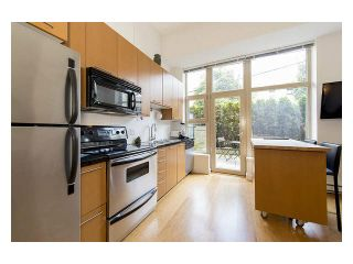 """Photo 11: 105 205 E 10TH Avenue in Vancouver: Mount Pleasant VE Condo for sale in """"The Hub"""" (Vancouver East)  : MLS®# V1082695"""