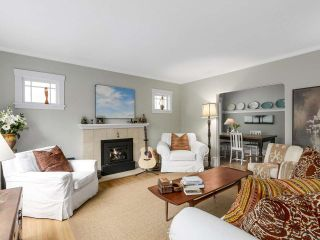 """Photo 2: 4855 COLLINGWOOD Street in Vancouver: Dunbar House for sale in """"Dunbar"""" (Vancouver West)  : MLS®# R2155905"""