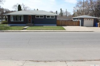 Photo 3: 300 Montreal Street North in Regina: Churchill Downs Residential for sale : MLS®# SK852760