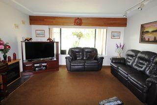 "Photo 3: 28808 STARR Road in Abbotsford: Bradner House for sale in ""Bradner"" : MLS®# R2342118"