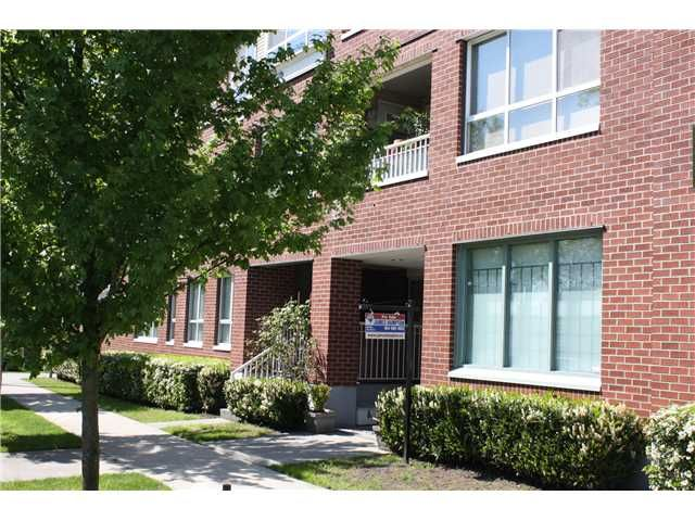 """Main Photo: 401 189 ONTARIO Place in Vancouver: Main Condo for sale in """"THE MAYFAIR"""" (Vancouver East)  : MLS®# V912877"""