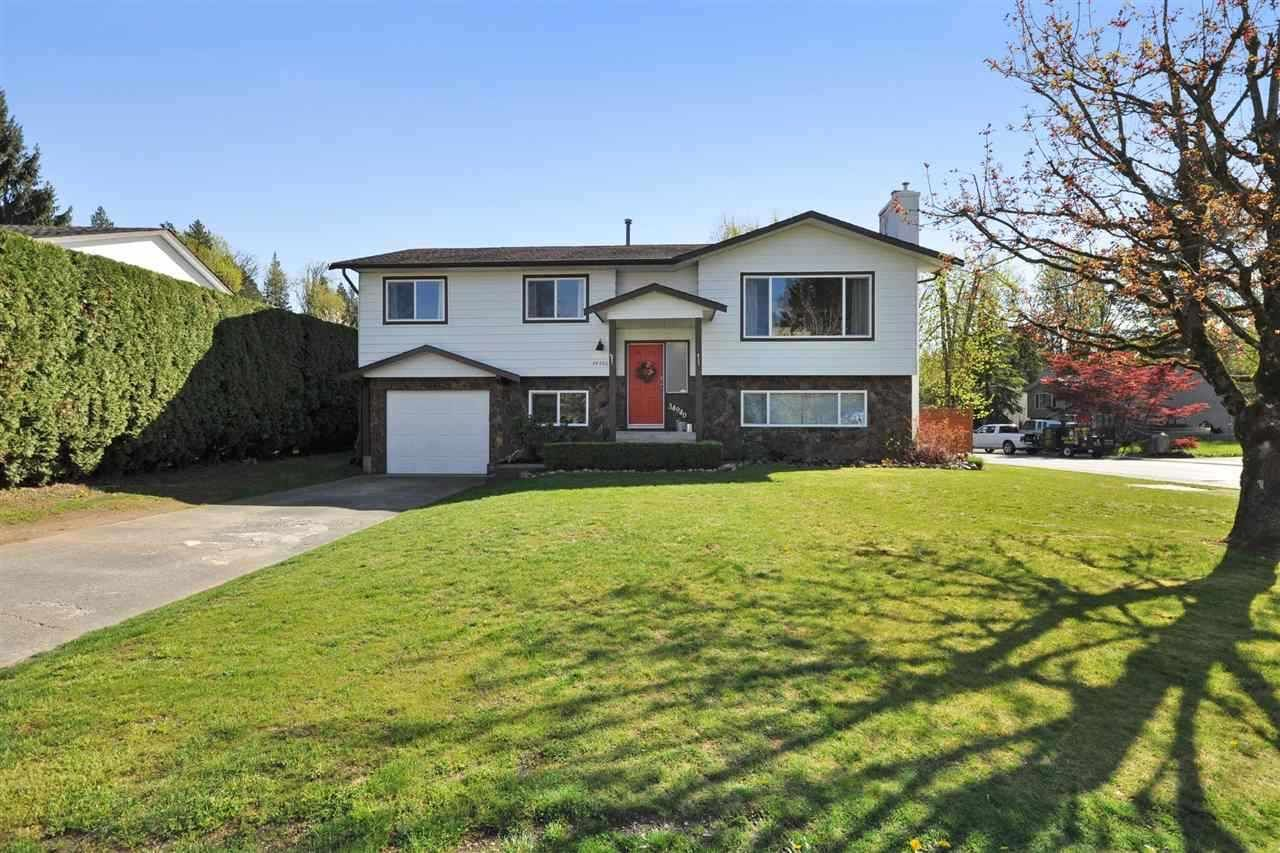 """Main Photo: 34940 Seneca Ct, in Abbotsford: Abbotsford East House for sale in """"BATEMAN"""" : MLS®# R2365028"""