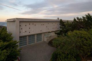 Photo 2: 285 King George Terr in Oak Bay: OB Gonzales House for sale : MLS®# 879049