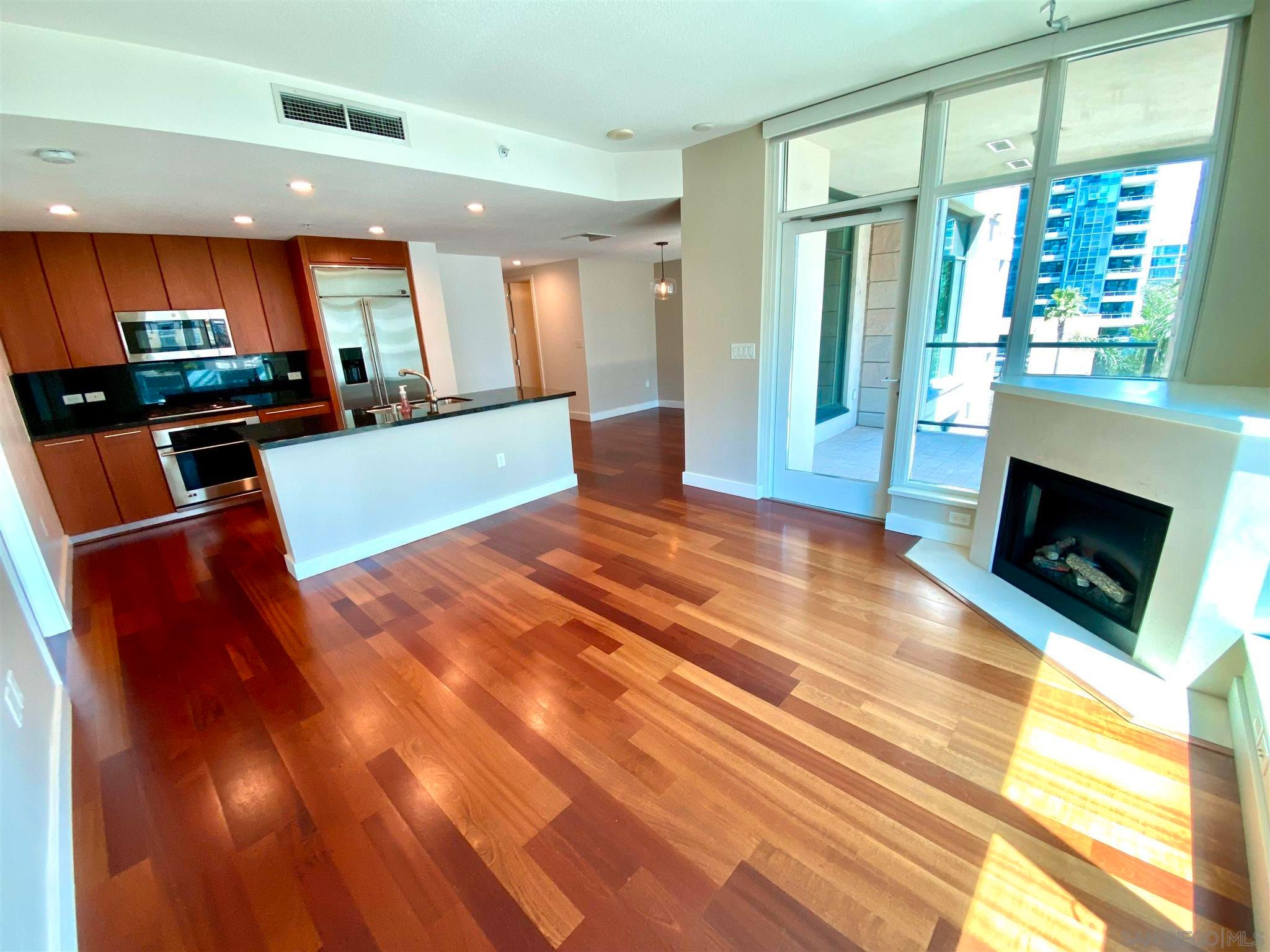 Main Photo: DOWNTOWN Condo for rent : 1 bedrooms : 1205 Pacific Hwy #504 in San Diego