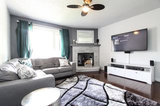 Photo 3: 337 Edelweiss Crescent in Winnipeg: Single Family Attached for sale : MLS®# 1527759