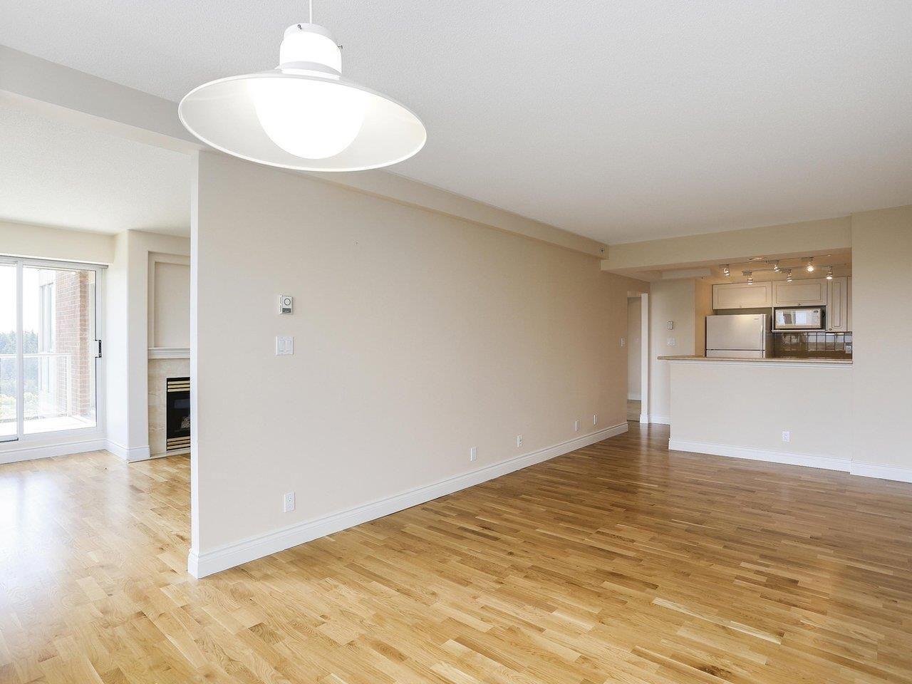 """Photo 5: Photos: 1704 5775 HAMPTON Place in Vancouver: University VW Condo for sale in """"CHATHAM"""" (Vancouver West)  : MLS®# R2196974"""