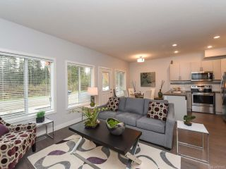 Photo 12: 40 2109 13th St in COURTENAY: CV Courtenay City Row/Townhouse for sale (Comox Valley)  : MLS®# 831807