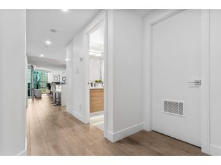 """Photo 2: 1210 1050 BURRARD Street in Vancouver: Downtown VW Condo for sale in """"WALL CENTRE"""" (Vancouver West)  : MLS®# R2587308"""