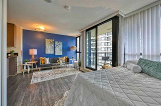 """Photo 8: 1308 909 MAINLAND Street in Vancouver: Yaletown Condo for sale in """"Yaletown Park 2"""" (Vancouver West)  : MLS®# R2590725"""