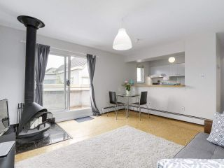 """Photo 3: 58 870 W 7TH Avenue in Vancouver: Fairview VW Townhouse for sale in """"Laurel Court"""" (Vancouver West)  : MLS®# R2169394"""