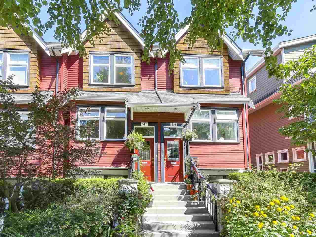 """Main Photo: 517 E 7TH Avenue in Vancouver: Mount Pleasant VE Townhouse for sale in """"THE VANTAGE"""" (Vancouver East)  : MLS®# R2203934"""