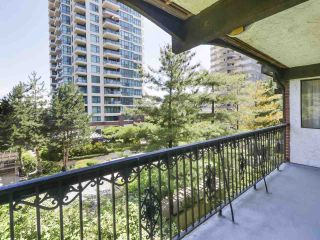 "Photo 1: 302 625 HAMILTON Street in New Westminster: Uptown NW Condo for sale in ""CASA DEL SOL"" : MLS®# R2478937"