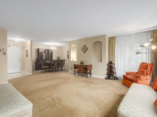 """Photo 4: 302 5425 YEW Street in Vancouver: Kerrisdale Condo for sale in """"The Belmont"""" (Vancouver West)  : MLS®# R2337022"""