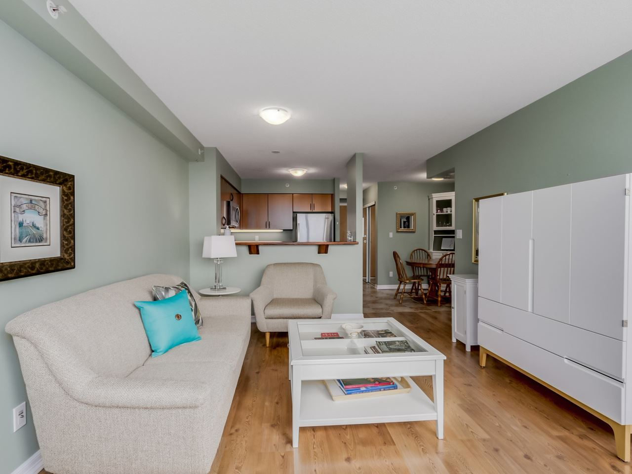 """Photo 3: Photos: 808 63 KEEFER Place in Vancouver: Downtown VW Condo for sale in """"Europa"""" (Vancouver West)  : MLS®# R2061272"""