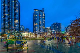 """Photo 2: 1004 1155 SEYMOUR Street in Vancouver: Downtown VW Condo for sale in """"BRAVA"""" (Vancouver West)  : MLS®# R2327629"""