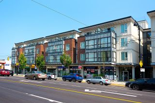 """Photo 1: PH26 2239 KINGSWAY in Vancouver: Victoria VE Condo for sale in """"THE SCENA"""" (Vancouver East)  : MLS®# R2615476"""